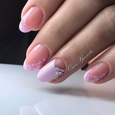 Wedding Nails-A Guide To The Perfect Manicure – NaiLovely Popular Nail Designs, Cool Nail Designs, Oval Nails, Pink Nails, Glitter Nails, Cute Nails, Pretty Nails, Wedding Nails Design, Luxury Nails