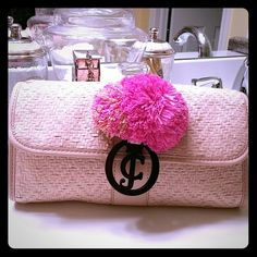 Super fun Juicy Couture clutch Like NEW condition rattan clutch. Neutral shade to go with everything, will also carry your phone, wallet, keys etc...it's the perfect size. 11X6 Juicy Couture Bags Clutches & Wristlets
