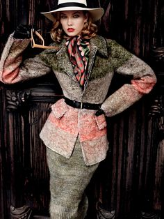 Karlie Kloss for Vogue US September 2014 by Mario Testino