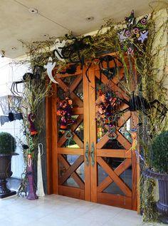 halloween front door decor idea from regina gust interior designer links to holiday - Decorating Front Door For Halloween