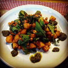 Teufelskartoffeln mit Kichererbsen und Rucola  #Food #foodblog #foodporn #vegan