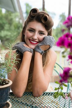 Ravelry: Helena Gloves pattern by Kristen Jancuk