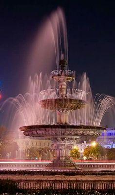 Piața Unirii, București.