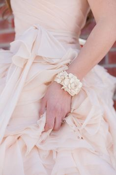 Twist on traditional bridal inspiration - see more at http://fabyoubliss.com