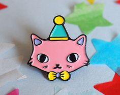 Burger Cat enamel lapel pin Cat pin Enamel pin by ilikeCATSshop