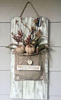 Old Picket Fence Fall Burlap & Pumpkin Floral Arrangement Front Door Decor… - Dekoration - Fall Crafts, Halloween Crafts, Holiday Crafts, Home Crafts, Diy And Crafts, Picket Fence Crafts, Pumpkin Floral Arrangements, Old Door Decor, Burlap Pumpkins