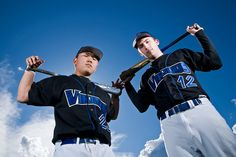 baseball picture poses- Thought for brothers posing together Baseball Pictures, Senior Pictures Boys, Team Pictures, Sports Pictures, Senior Photos, Baseball Photography, Senior Photography, Wedding Photography, Cardio