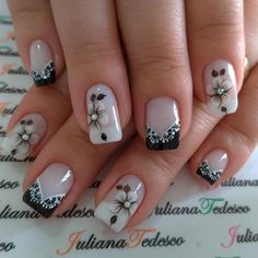 Que nota de 0 a 10 para esta unha? Gel Nail Art Designs, Fingernail Designs, Cute Nails, Pretty Nails, Black Acrylic Nails, French Nail Art, Nail Time, Flower Nails, Stylish Nails