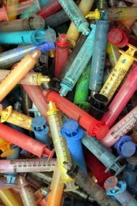 Found A Source Of Syringe Tips! Syringe Painting - a favorite and fun pastime for children who are hospitalized!Syringe Painting - a favorite and fun pastime for children who are hospitalized! People Who Help Us, Child Life Specialist, Community Helpers, Community Workers, Medical Art, Preschool Art, Eyfs, Art Therapy, Child Development
