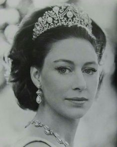 Late sister of Queen Elizabeth II, Princess Margaret in the turquoise tiara Princesa Margaret, Royal Life, Royal House, Prince And Princess, Princess Kate, Princess Margaret Wedding, Prince Harry, Princess Diana Jewelry, Princess Elizabeth