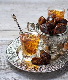 Prophet Muhammad (PBUH): 9 Healthy Habits That Science Later Proved Arabic Tea, Arabic Food, Iftar, Ramadan, Tea Recipes, Snack Recipes, Dried Dates, Tea Benefits, Exotic Food