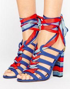 Sandalias de tacón con lazada en la pierna TERESINA de ASOS