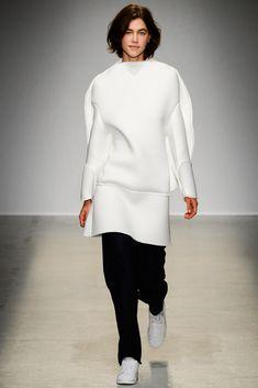 Jacquemus Fall 2014 Ready-to-Wear Collection Photos - Vogue