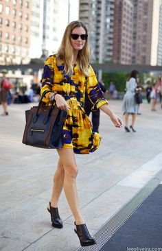 Yellow and blue dress on the streets of New York