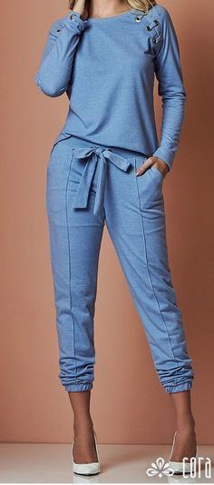 Relaxed Blue pants and top Sporty Outfits, Cute Outfits, Casual Chic, Casual Wear, Casual Looks, Dress To Impress, Lounge Wear, Ideias Fashion, Autumn Fashion
