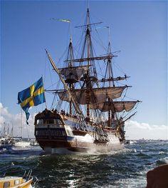 Navíos de línea ingleses en formación, el Victory en primer término. Pintura del británico Geoff Hunt, conocido pintor de navíos del ...