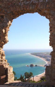 Girona und Costa Brava Miniguide: 7 Gründe, für eine Reise an die Costa Brava und Girona; Grund 1: Blanes mit dem Tor zur Costa Brava Grund 2:...