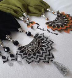 Glass Jewelry, Beaded Jewelry, Moda Emo, Black Evening Dresses, Piercings, Crochet Necklace, Fashion Accessories, Classy, Beads
