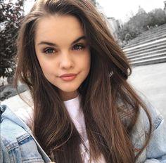 Cute Girl Photo, Girl Photo Poses, Girl Photos, Hot Emo Boys, Mafia, Selfies, Fake Girls, Cute Young Girl, Goth Beauty