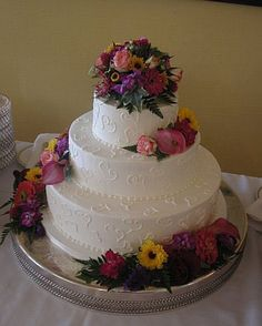 using real flowers on wedding cakes simple buttercream wedding cake with fresh flowers cakes 21514