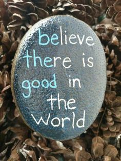 Rock Painting Ideas Easy, Rock Painting Designs, Paint Designs, Pebble Painting, Pebble Art, Stone Painting, Stone Art Painting, Painting Quotes, Diy Painting