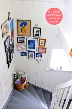 Picture wall for the staircase landing! May have to do this in my own home! Stairway Gallery Wall, Stairway Art, Gallery Walls, Stairway Pictures, Stair Gallery, Art Gallery, Sweet Home, Home Decoracion, Create A Family