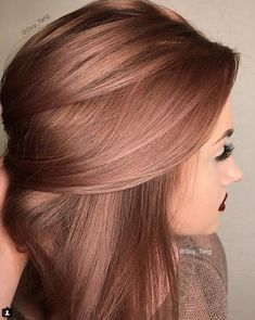 Pretty color!!! Rose Gold Hair Colour, Blonde Rose Gold Hair, Balayage Hair Rose, Brown Hair Rose Gold Highlights, Hair Color For Brown Skin, Rose Gold Balyage, Hair Color For Spring, Hair Color And Cuts, Hair Colors For Fall