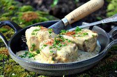 Une viande tendre et bien savoureuse avec cette sauce à la Moutarde de Meaux... Ingrédients pour 4 personnes 1 filet mignon de 1 kg 2 échalotes 20 cl de crème fraîche légère 25 cl de bière 2 cs de moutarde de Meaux 1 cs de fond de veau Huile d'olive extra...