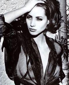 2018/03/22 03:13:53 Christy Turlington Vogue Italia 1990. #christyturlington#vogue#vogueitalia#1990#models90#blackandwhitephotography