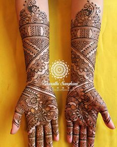 Had a lovely time henna-ing the beautiful Kiran Chaggar last week. Got a little carried away using dotted lines in this bridal :) Picture… Mehndi Designs Front Hand, Pretty Henna Designs, Indian Henna Designs, Latest Bridal Mehndi Designs, Mehndi Designs Book, Modern Mehndi Designs, Mehndi Designs For Girls, Mehndi Design Photos, Wedding Mehndi Designs