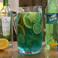 Hit The Beach Early With This Blue Lagoon Sangria Recipe Sangria Wine, Wine Cocktails, Non Alcoholic Drinks, Cocktail Drinks, Party Drinks, Fun Drinks, Cold Drinks, Beverages, Refreshing Drinks