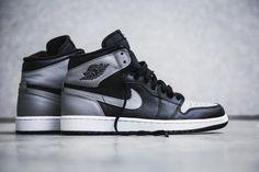 NIKE AIR JORDAN 1 RETRO HIGH OG BLACK/SOFT GREY #sneaker