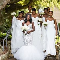 Bridehive @bridehive // #munabridesmaids #munaluchibride #vainglorious // #Repost @jeanralphthurin  @shaq_will & her Beautiful Bridesmaids on her Big Day  #FBF  Dress: @jeanralphthurin  Bridesmaids Dresses: @whiterunway  Bridal Styling: @vaingloriousbrides  Photography: @bypetronella