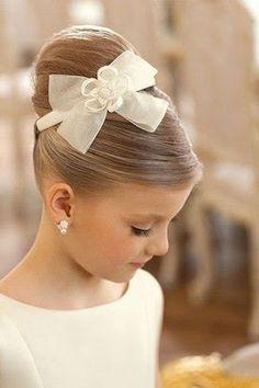 Um penteado bastante sofisticado para ocasiões especiais (Pinterest/Elizabeth Locklear)