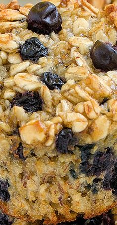 Baked Blueberry Banana Oatmeal Cups - perfect and healthy way to start your day! Very easy to make, fast to eat and good choice for every occasion! Breakfast Sandwich Recipes, Breakfast Toast, Breakfast Buffet, Breakfast On The Go, Breakfast Muffins, Brunch Recipes, Oatmeal Cups, Blueberry Oatmeal, Baked Banana