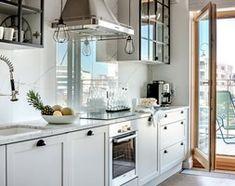 Aranżacje wnętrz - Kuchnia: WILANÓW - Średnia otwarta kuchnia jednorzędowa z wyspą, styl skandynawski - PINKMARTINI. Przeglądaj, dodawaj i zapisuj najlepsze zdjęcia, pomysły i inspiracje designerskie. W bazie mamy już prawie milion fotografii!