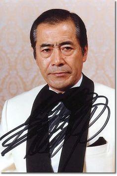 Toshiro Mifune. SEÑOR DE SEÑORES!    Tan serio el viejo... y tan mala clase que era en las películas. Jajajajajajaa!