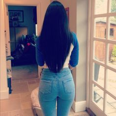 My absolute favourite relaxed hair pic Beautiful Haircuts, Pretty Hairstyles, Straight Hairstyles, Love Hair, Gorgeous Hair, Beautiful Hips, Curly Hair Styles, Natural Hair Styles, Leila