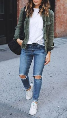 street style// utility jacket// white tee// distressed jeans// white tennis shoes