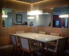Sala de jantar por #danielmaia  #painel #espelho #jantar #saladejantar #carvalho