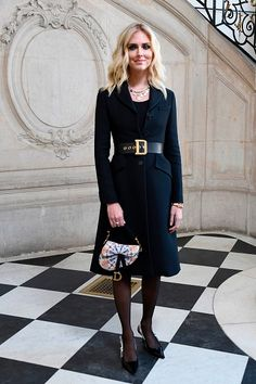 #chiaraferragni #parisfashionweek2019 #parishautecouture #parishautecoutureweek #fashionweek #londonfashionweek #lfw #parisfashionweek #fashionblogger #fashionista #styleblogger #lookbook #ootd #fashionblogger_ch #fashionbloggeruk #fashionblogger_it #fashionbloggerdubai #fashionblogger_fr #fashionblogger_uk