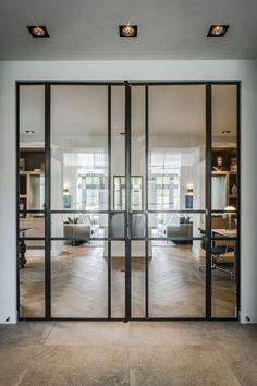 How To Choose A Glass Door Design That Suits Your Home Futuristic architectureBest use of glass doors example / Interior / Furniture / We look at the past through the lens of M . Casa Loft, Casa Patio, Sliding Glass Door, Glass Doors, Steel Doors, Entrance Doors, Door Design, Design Case, Windows And Doors