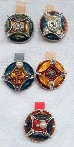 I quadratini sui cerchi - ciondoli fatti con capsule Nespresso