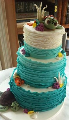 Love the icing and the super sweet turtle topper...wish it had more coral details...
