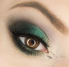Dark Turquoise https://www.makeupbee.com/look.php?look_id=90626