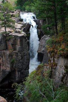 Shell Falls, Bighorn Pass, WY with East-West Global Tours