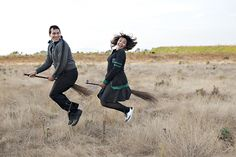 Harry Potter themed engagement pictures!? Happening