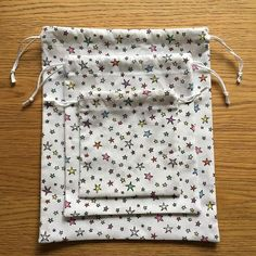 Fantastic 100 sewing projects projects are offered on our web pages. Have a look and you wont be sorry you did. Coin Couture, Couture Sewing, Hacks Diy, Blog, Diy And Crafts, Sewing Projects, Handmade, Paper Bags, Paper Paper