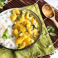 Saftiges Hähnchen-Curry mit Ananas