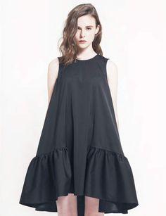 Robe noire oversize